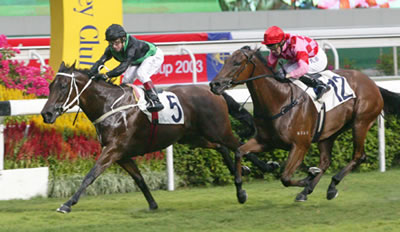 SILENT WITNESS wins Sprint Trophy in a close finish